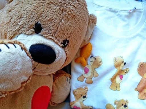 Uniqlo Suzy's Zoo tshirt