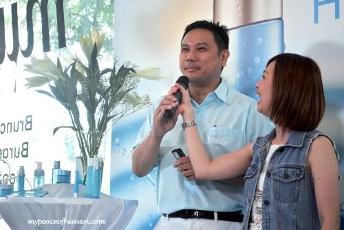 Neutrogena Hydro Boost Dr Derrick Aw